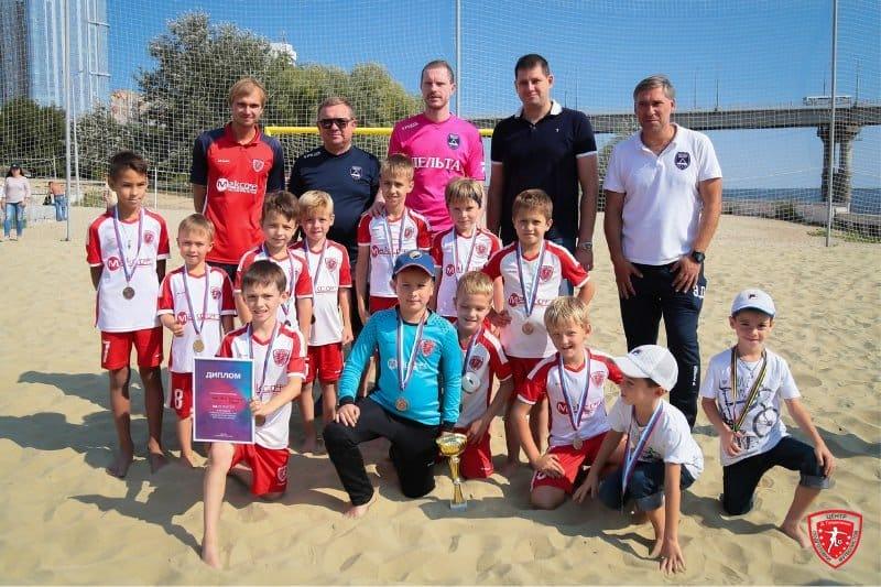 ДФК «Центр Градиленко-Максофт» двумя командами вновь в тройке сильнейших на Фестивале пляжного футбола 2020 по пляжному футболу в Саратове